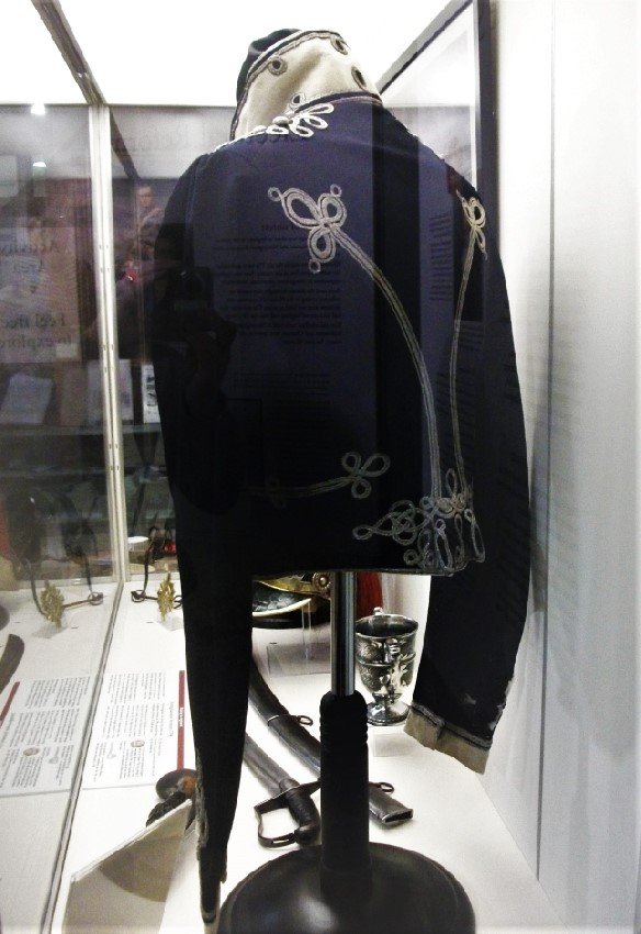 Worksop Troop, Independent Yeomanry Cavalry tunic, c.1820.